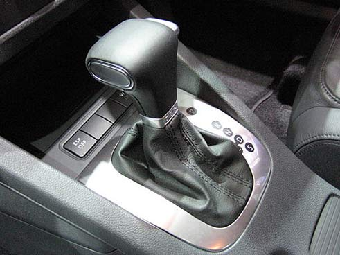 Driving an Automatic Car Tips - How to Drive an Automatic Car